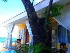 Luzmin BH - Beachfront Cottages | Philippines Budget Hotels