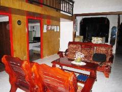 Philippines Hotels | DJ3 Southtown Room and Board Hotel