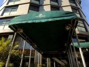 /hotel-dom-henrique-downtown/hotel/porto-pt.html?asq=5VS4rPxIcpCoBEKGzfKvtBRhyPmehrph%2bgkt1T159fjNrXDlbKdjXCz25qsfVmYT
