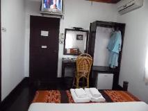 Villa Senesouk Hotel: guest room