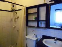 Villa Senesouk Hotel: bathroom