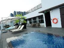 Singapore Hotel   swimming pool