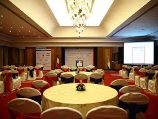 Vivanta by Taj - Connemara Chennai - Meeting Room