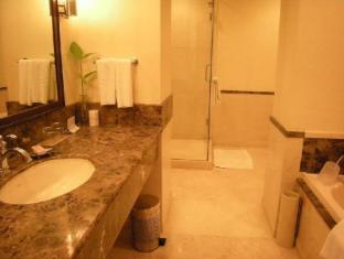 Vivanta by Taj - Connemara Chennai - Guest Room