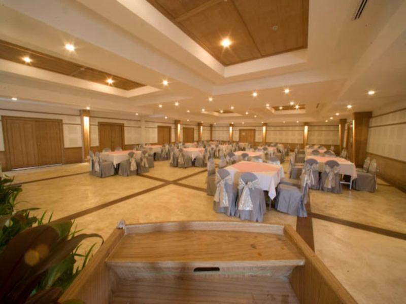 AANA Resort & Spa57