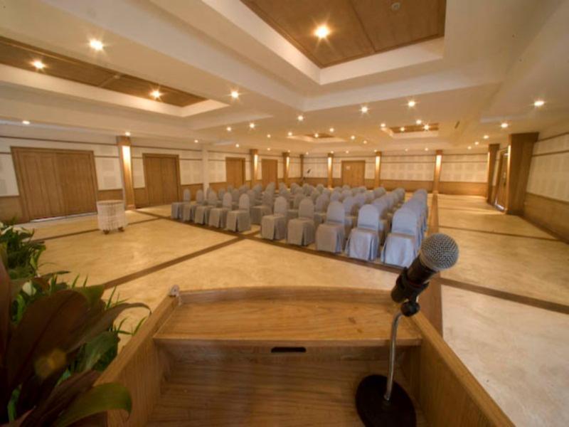 AANA Resort & Spa58