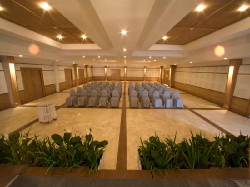 AANA Resort & Spa59