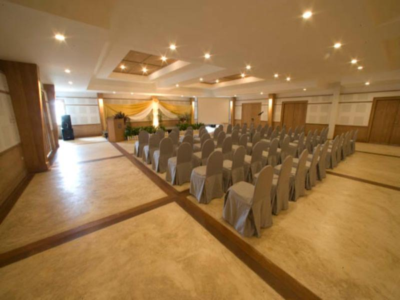AANA Resort & Spa60