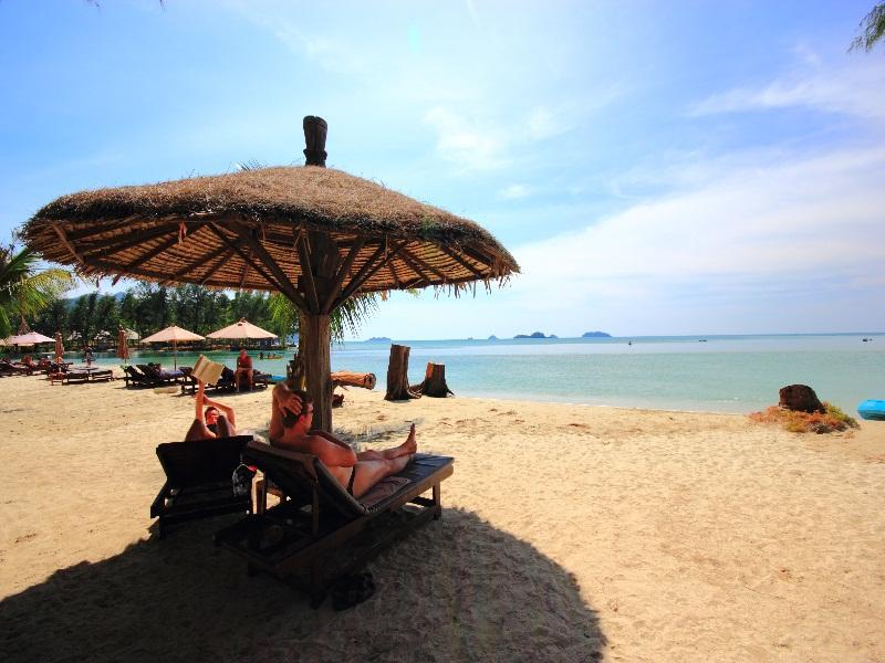 AANA Resort & Spa83