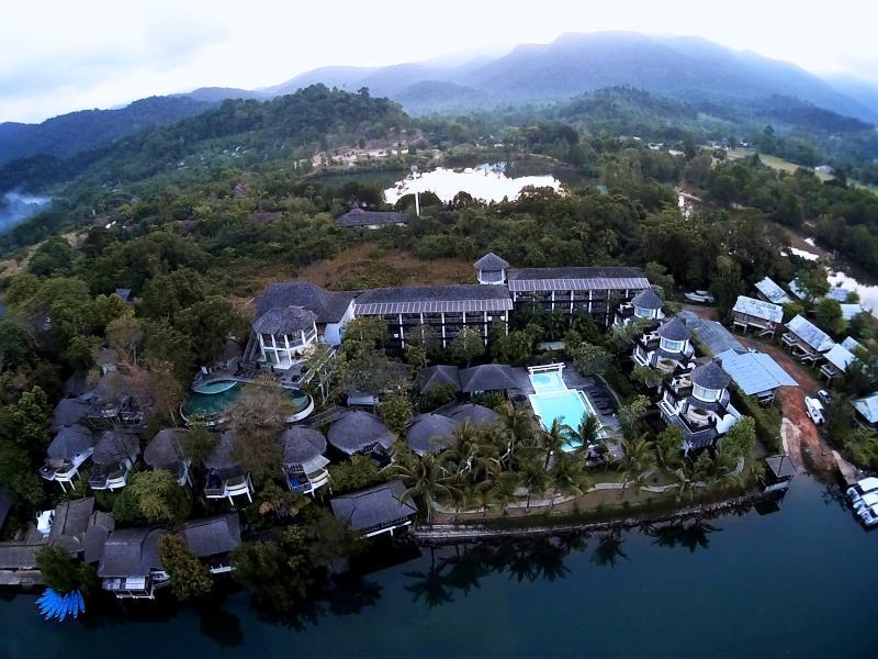 AANA Resort & Spa10