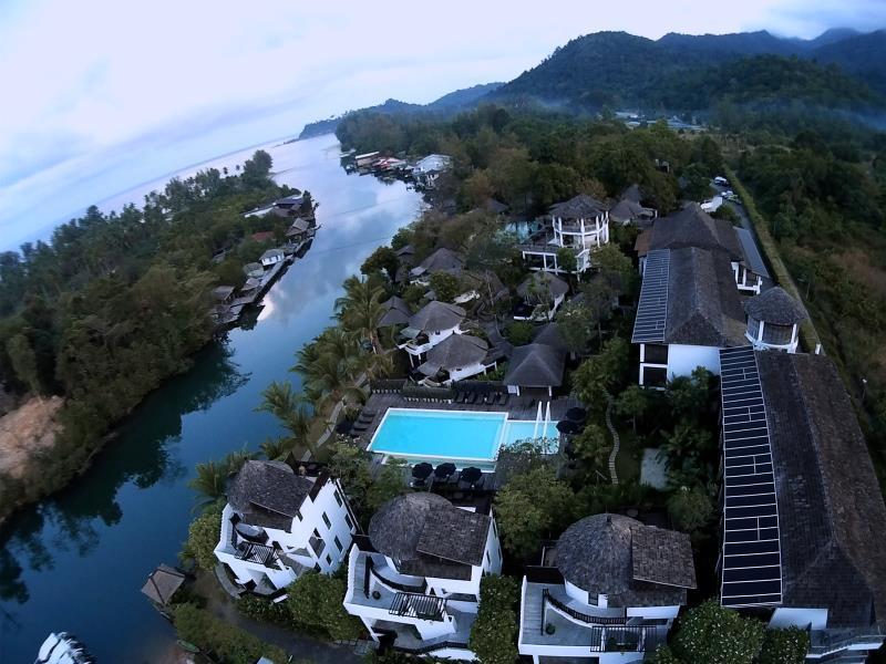AANA Resort & Spa16