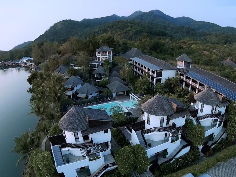 AANA Resort & Spa17