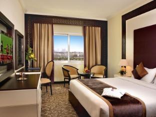 Carlton Tower Hotel Dubai - Deluxe Single Room