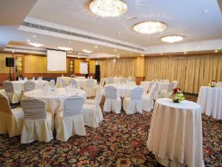 Carlton Tower Hotel Dubai - Meeting Room
