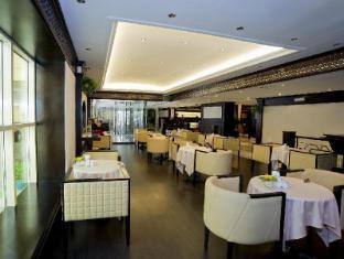 Carlton Tower Hotel Dubai - Coffee Shop/Cafe