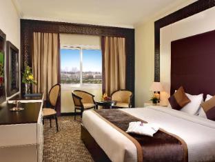 Carlton Tower Hotel Dubai - Guest Room
