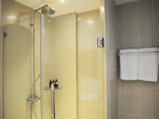 Montien House Hotel Samui - Premier Building- bathroom