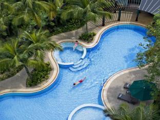 Eastin Hotel Kuala Lumpur - Swimming Pool