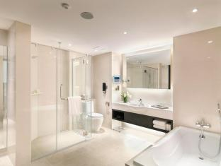 Sama-Sama Hotel Kuala Lumpur International Airport Kuala Lumpur - Premier Executive Suite Bathroom