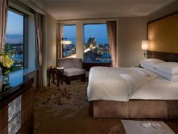 Executive Grand Harbor View Suite