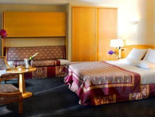 Best Western Le Patio Saint Antoine Paris - Guest Room
