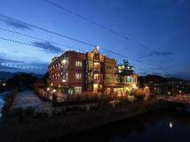 Hupin Hotel Nyaung Shwe: night view