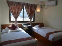 Royal Diamond Hotel: bed room