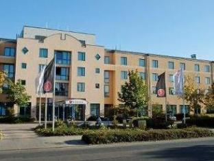 /ramada-hotel-europa-hannover/hotel/hannover-de.html?asq=vrkGgIUsL%2bbahMd1T3QaFc8vtOD6pz9C2Mlrix6aGww%3d
