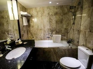 Rembrandt Towers Serviced Apartments Bangkok - Bathroom