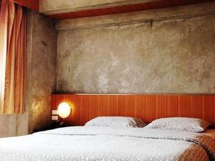 White Palace Hotel Bangkok - Guest Room