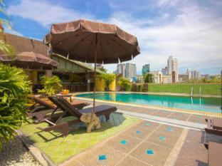 Woraburi Sukhumvit Hotel Bangkok - Rooftop pool