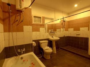 Woraburi Sukhumvit Hotel Bangkok - Bathroom