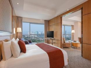 Crowne Plaza Manila Galleria Hotel Manila - Executive Suite