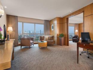 Crowne Plaza Manila Galleria Hotel Manila - Grand Club Suite