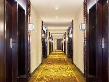 Emperor Hotel: interior