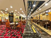 Emperor Hotel: restaurant