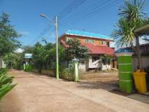Phetphaylin Hotel: exterior