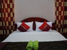 Phetphaylin Hotel: guest room