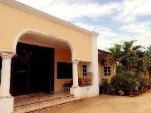 Phetchalernxay Guesthouse: exterior