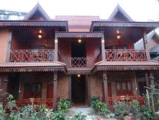 /zuela-guesthouse-and-restaurant/hotel/luang-namtha-la.html?asq=5VS4rPxIcpCoBEKGzfKvtBRhyPmehrph%2bgkt1T159fjNrXDlbKdjXCz25qsfVmYT