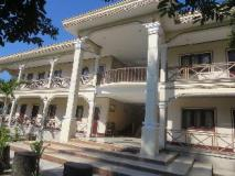 Khonesavath Guesthouse: entrance