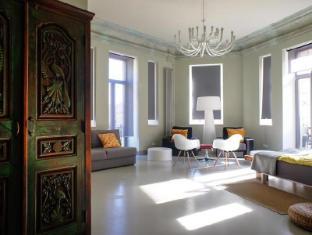 /hostel-club-chao-mama/hotel/saint-petersburg-ru.html?asq=GzqUV4wLlkPaKVYTY1gfioBsBV8HF1ua40ZAYPUqHSahVDg1xN4Pdq5am4v%2fkwxg