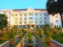Double Lotus Hotel: hotel building