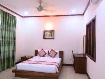 Double Lotus Hotel: guest room