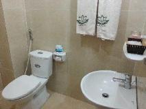 Double Lotus Hotel: bathroom