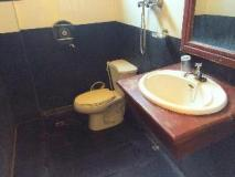 Rattana Riverside Guesthouse: bathroom