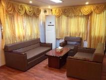 Sunflower Hotel: interior