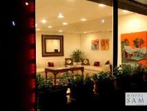 Samraj Hotel: exterior