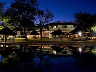 /hwange-safari-lodge/hotel/hwange-zw.html?asq=GzqUV4wLlkPaKVYTY1gfioBsBV8HF1ua40ZAYPUqHSahVDg1xN4Pdq5am4v%2fkwxg