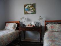 Highclaire House: guest room